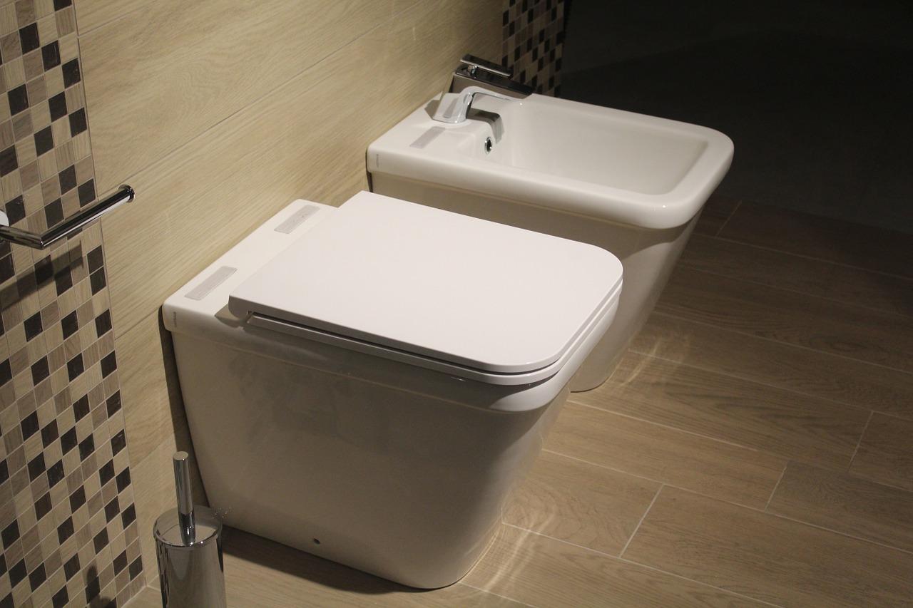 Rénovation de salle de bains, pourquoi passer par un plombier ?